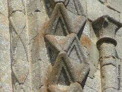 2 9 pilastre detail triangle lacets colonne adossee 43b b